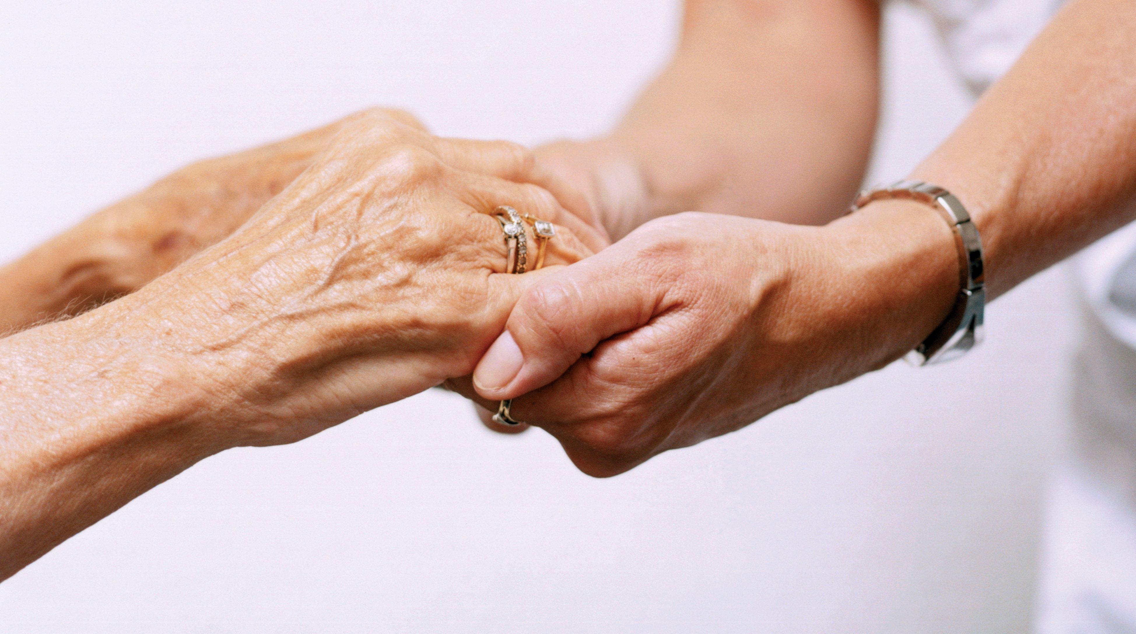 Le développement des services à la personne favorise le maintien à domicile