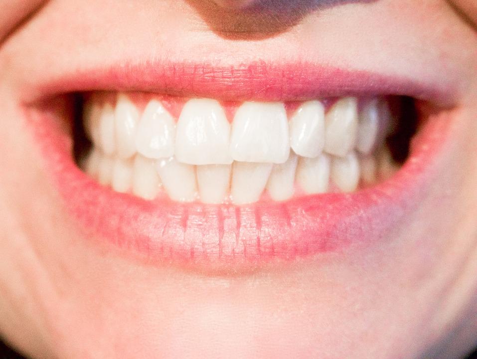 Des conseils pour avoir des dents plus saines et plus fortes